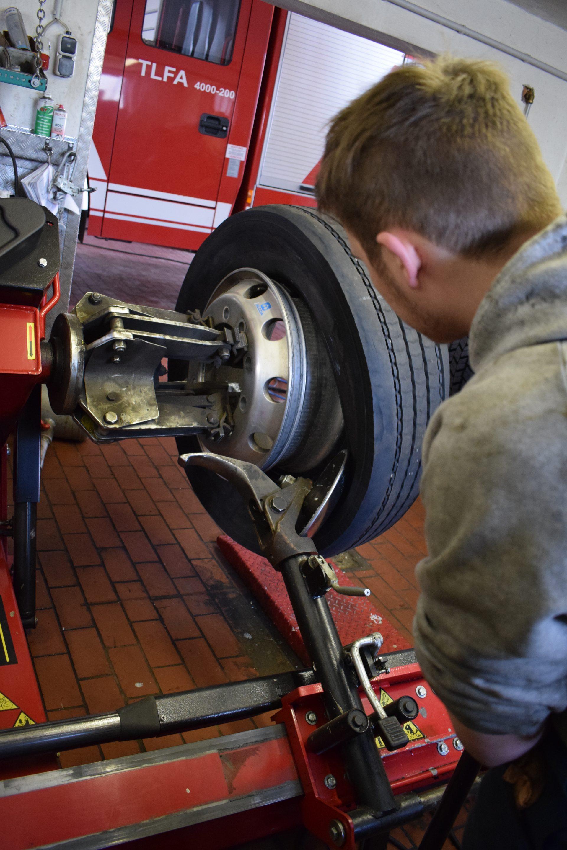 Reifen-montieren-Dienstleistungen