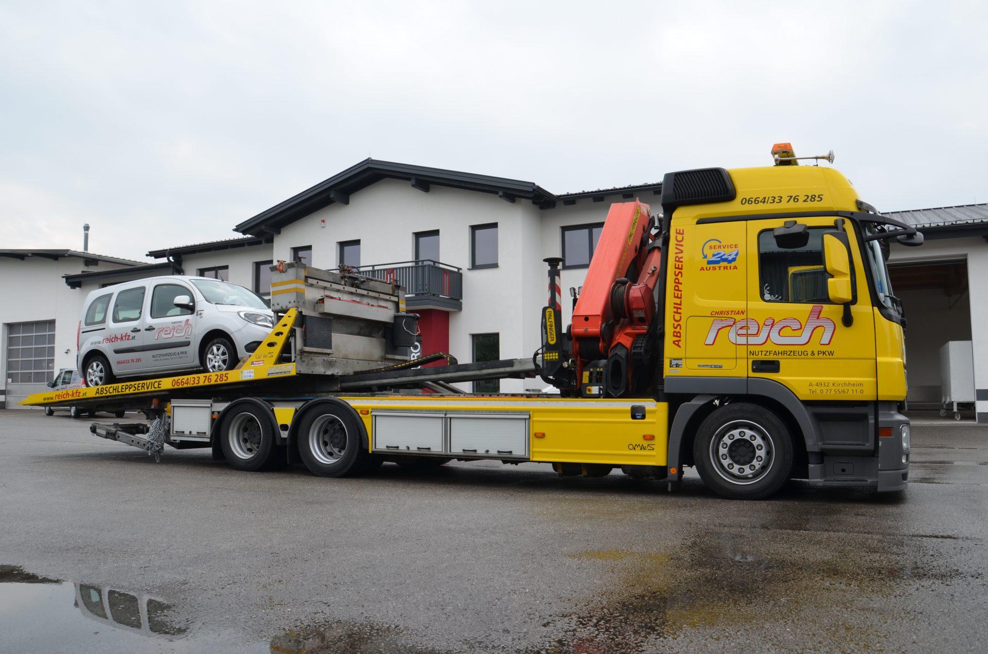 Schleppfahrzeug-im-Einsatz