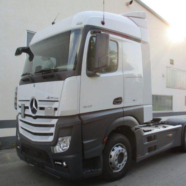 Mercedes-1842LS-EZ2017 (2)