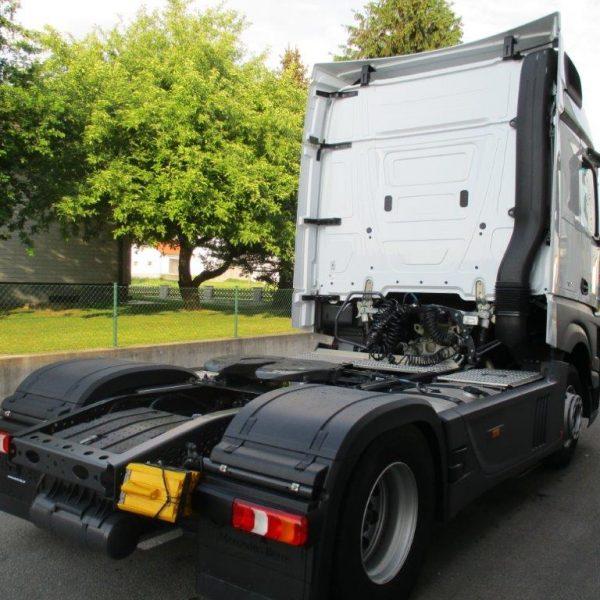 Mercedes-1842LS-EZ2017 (7)