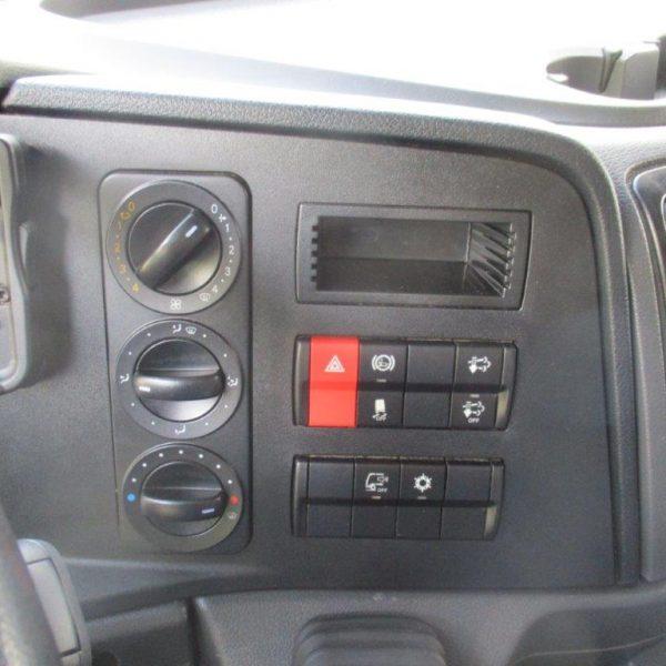 Mercedes 1223 Kühler (13)