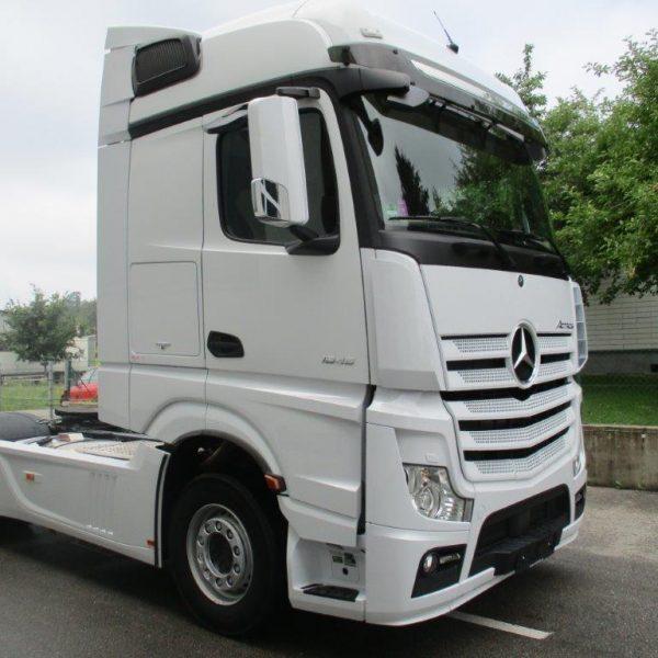 Mercedes-1845LS-Leder (13)