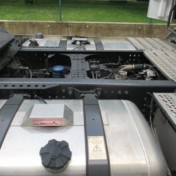 Mercedes-1845LS-Leder (2)