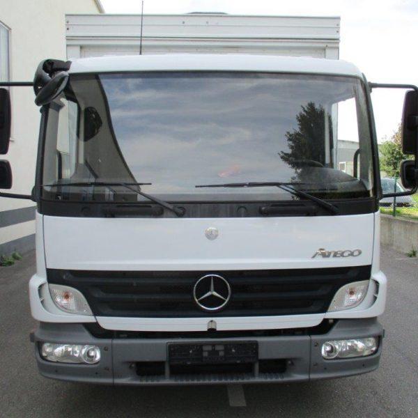 Mercedes 818L-Getränke (9)