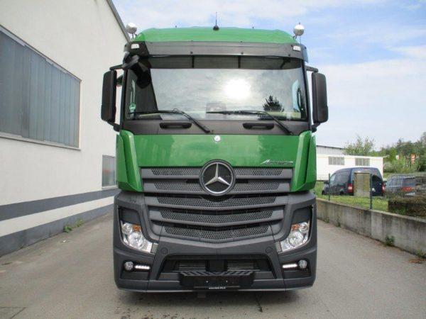 Mercedes Actros grün (4)