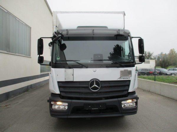 1224 L 2018 Mercedes Benz weiß (6)