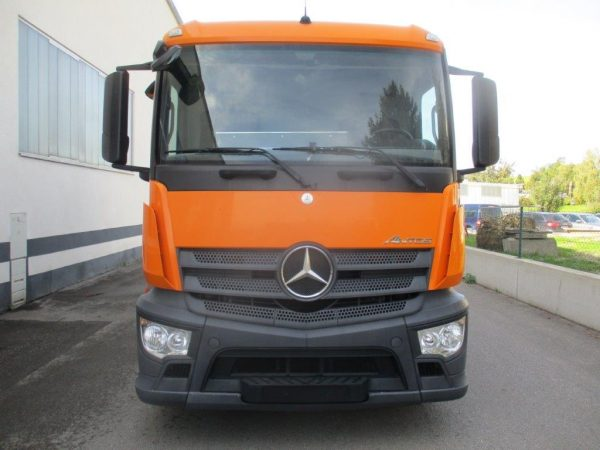 Mercedes Antos 1827L orange (2)