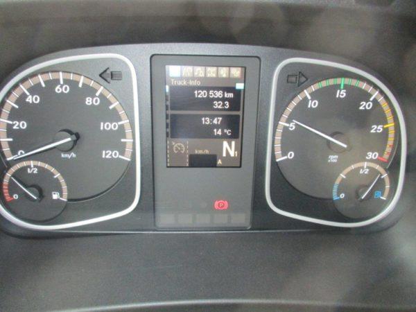 Mercedes-1527L-2018 (14)